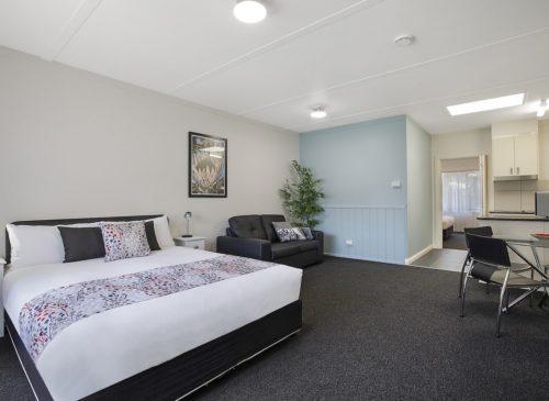 Hamilton Lakeside Motel | Indi Rooms